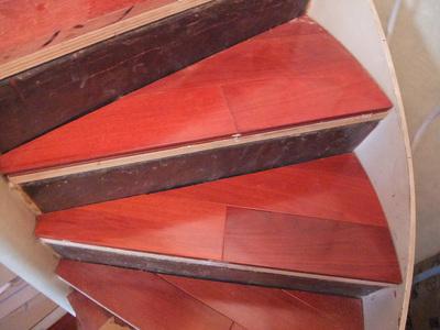 フローリング 階段