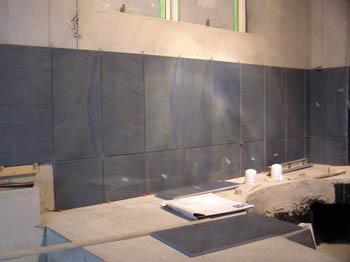 タイル張り浴室