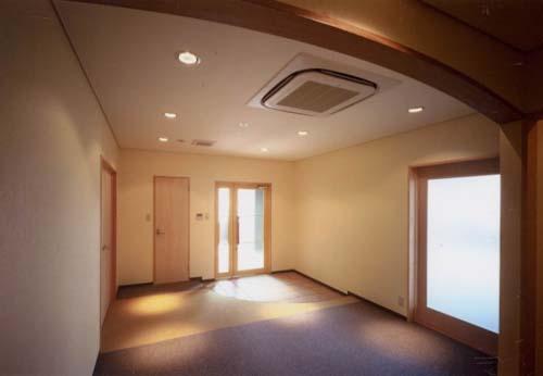 アーチのある玄関ホール