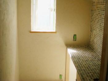 トイレタイル貼り